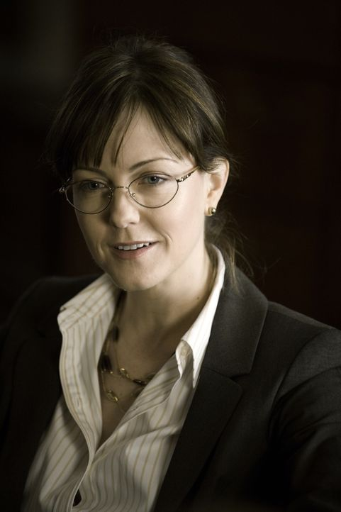 Kann Dean Vivian Hudson (Lilly Birdsell) Lilly und ihren Kollegen beim Lösen eines neuen Falles behilflich sein? - Bildquelle: Warner Bros. Television