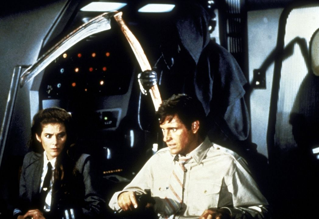 Sie können dem Tod bereits ins Auge blicken, doch sie verlieren nie den Mut: Ted (Robert Hayes, r.) und Elaine (Julie Hagerty, l.). - Bildquelle: Paramount Pictures
