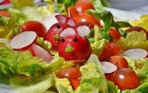 Salat als Beilage zum Grillen