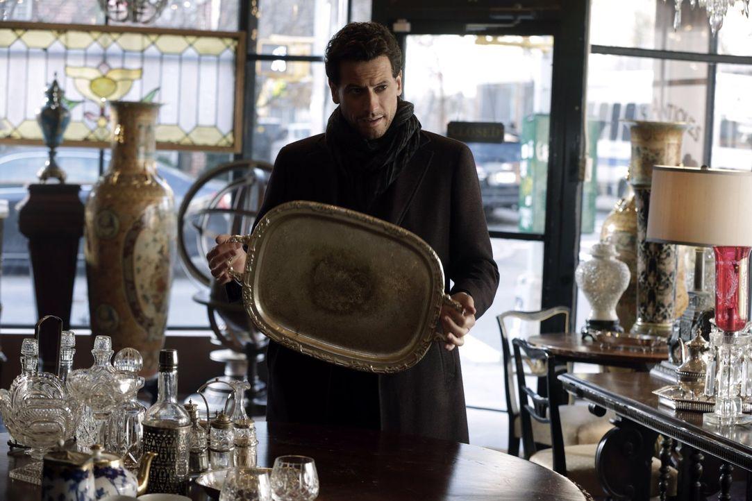 Sucht aufgrund der schwierigen Ermittlungen Rat bei seinem Sohn Abe: Henry (Ioan Gruffudd) ... - Bildquelle: Warner Bros. Television