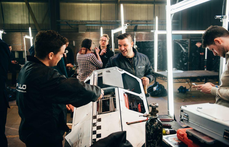 Hoffen, dass ihr Roboter in der Kampfarena alle Konstruktionen der gegnerischen Teams beiseite fegen wird: Team Apollo... - Bildquelle: Andrew Rae