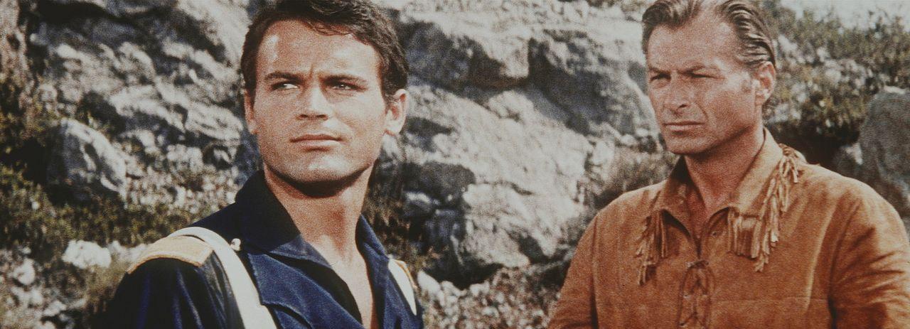 Immer wieder versucht Old Shatterhand (Lex Barker, r.) die jungen Soldaten zur Besonnenheit aufzurufen. Doch das hitzige Naturell von Leutnant Merri... - Bildquelle: Columbia Pictures