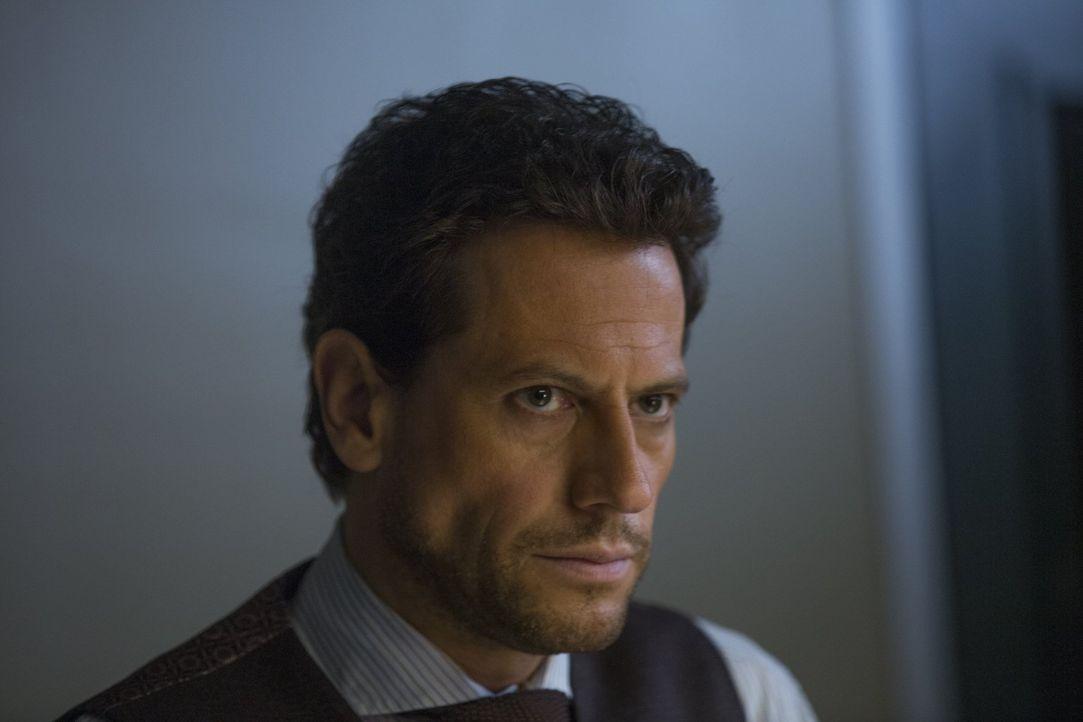 Ohne sein Wissen kontaktiert Abe Lucas, um herauszufinden, was mit Henrys (Ioan Gruffudd) Ex-Verlobter passiert ist ... - Bildquelle: Warner Bros. Television