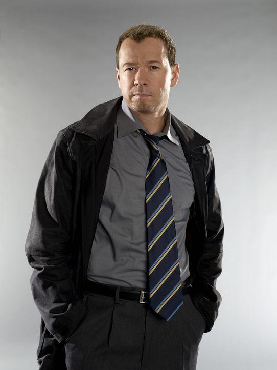 (1. Staffel) - Der gerade in den Polizeidienst zurückgekehrte Danny Reagan (Donnie Wahlberg) ist ein erfahrener Cop, der auch schon mal vor dubiösen... - Bildquelle: 2010 CBS Broadcasting Inc. All Rights Reserved