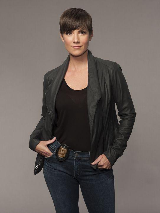 "(1. Staffel) - Im Kampf gegen das Böse: Special Agent Meredith ""Merri"" Brody (Zoe McLellan) ... - Bildquelle: 2014 CBS Broadcasting Inc. All Rights Reserved."