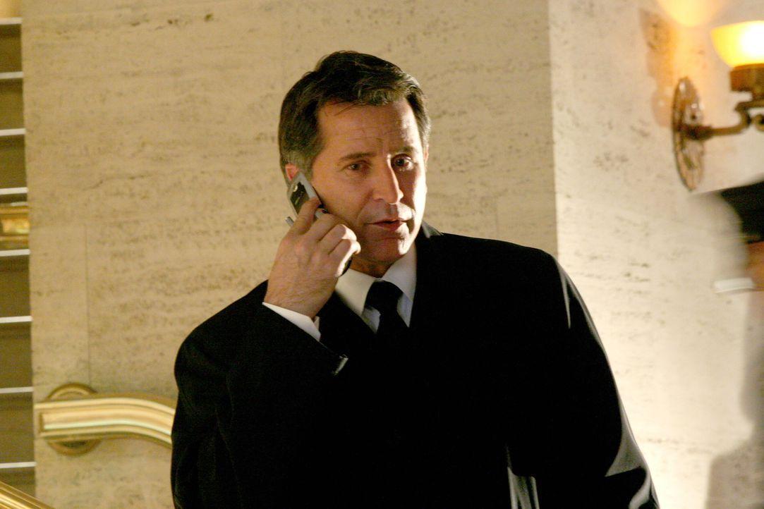 Jack Malone (Anthony LaPaglia) hat bereits einen Verdächtigen im Auge ... - Bildquelle: Warner Bros. Entertainment Inc.
