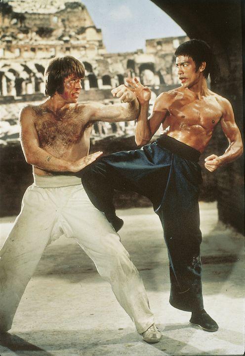 Chuck Norris (l.); Bruce Lee (r.) - Bildquelle: 2019 Universum Film GmbH
