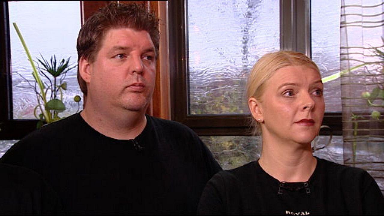 Chef Heiko Schlingermann (l.) und Anja Rinne (r.) müssen sich der Kritik von Sternekoch Frank Rosin stellen. - Bildquelle: kabel eins