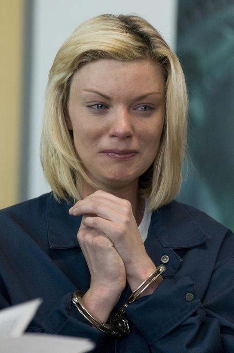 Während Mary sich beeilen muss, um Colins Leben zu retten, hat Brandi (Nichole Hiltz) gravierende Probleme am Hals ... - Bildquelle: USA Network