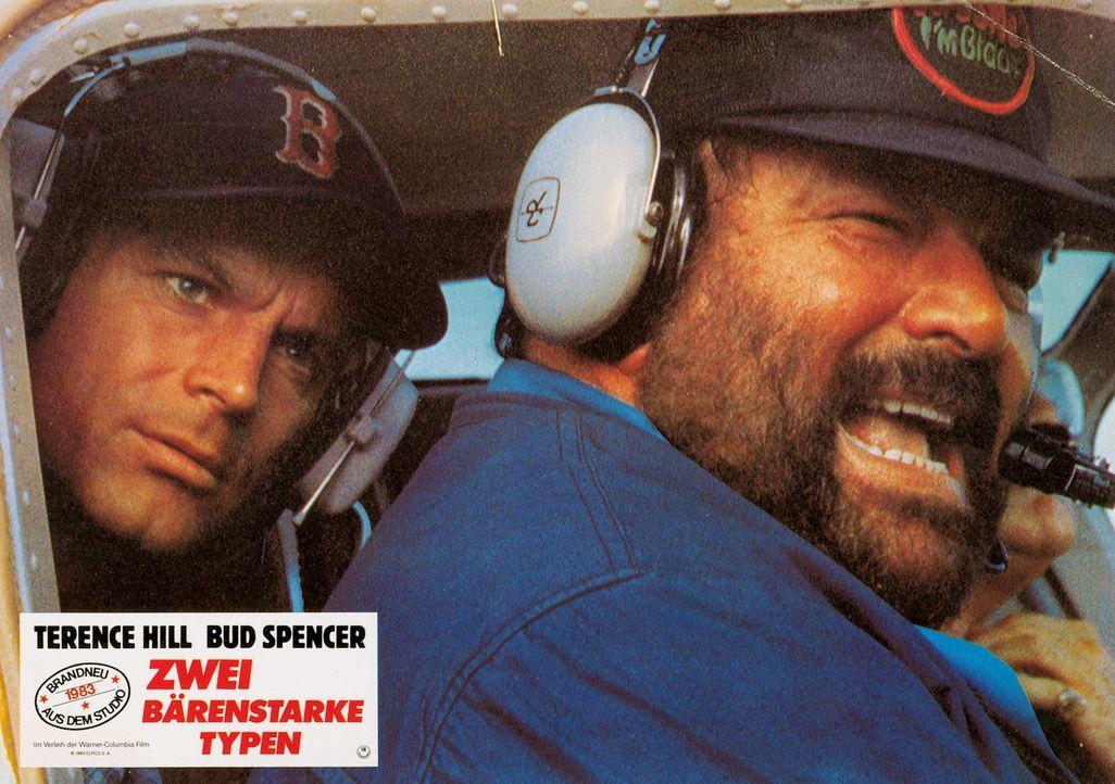 Zwei bärenstarke Typen: Roscoe (Terence Hill, l.) und Doug (Bud Spencer, r.) ... - Bildquelle: Warner Brothers