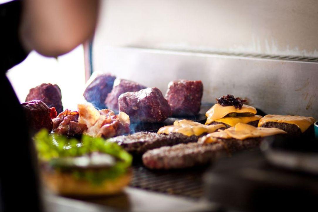 """Die 5-teilige Reportage-Reihe """"Die Food-Giganten"""" macht sich auf die Suche nach den Erfolgsgeheimnissen der größten Franchiser Deutschlands und zeig... - Bildquelle: kabel eins"""