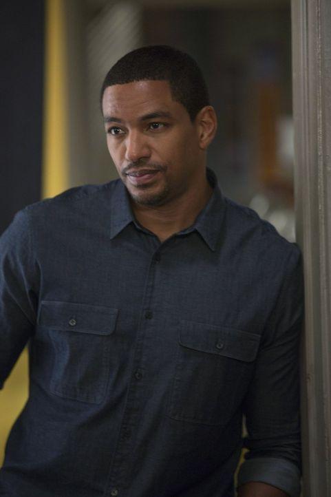 Gemeinsam mit seinen Kollegen macht sich Billy (Laz Alonso) auf die Suche nach einem Mörder ... - Bildquelle: Warner Bros. Entertainment, Inc.