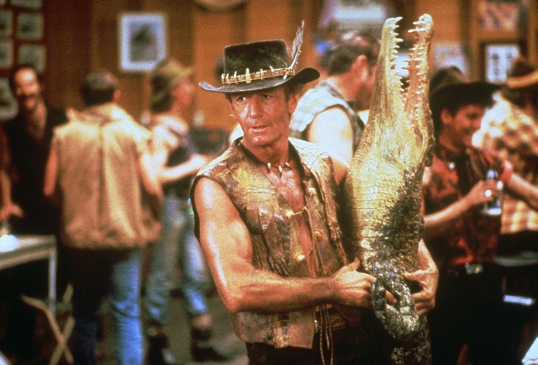 "Nomen est omen: ""Crocodile"" Dundees (Paul Hogan) Liebe gehört den Krokodilen ... - Bildquelle: Paramount Pictures"
