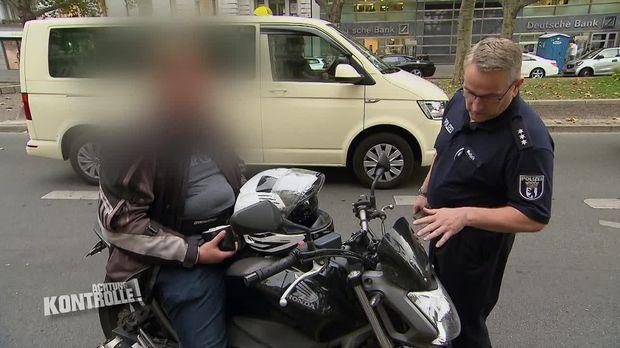 Achtung Kontrolle - Achtung Kontrolle! - Thema U.a: Aggressiver Fahrer Diskutiert Mit Der Polizei