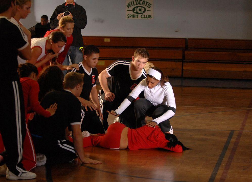 Die Trainerin Jackie Boyd (Mary J. Blige, r.) kann sich nicht erklären, was mit ihrer Schülerin los ist … - Bildquelle: ABC Studios