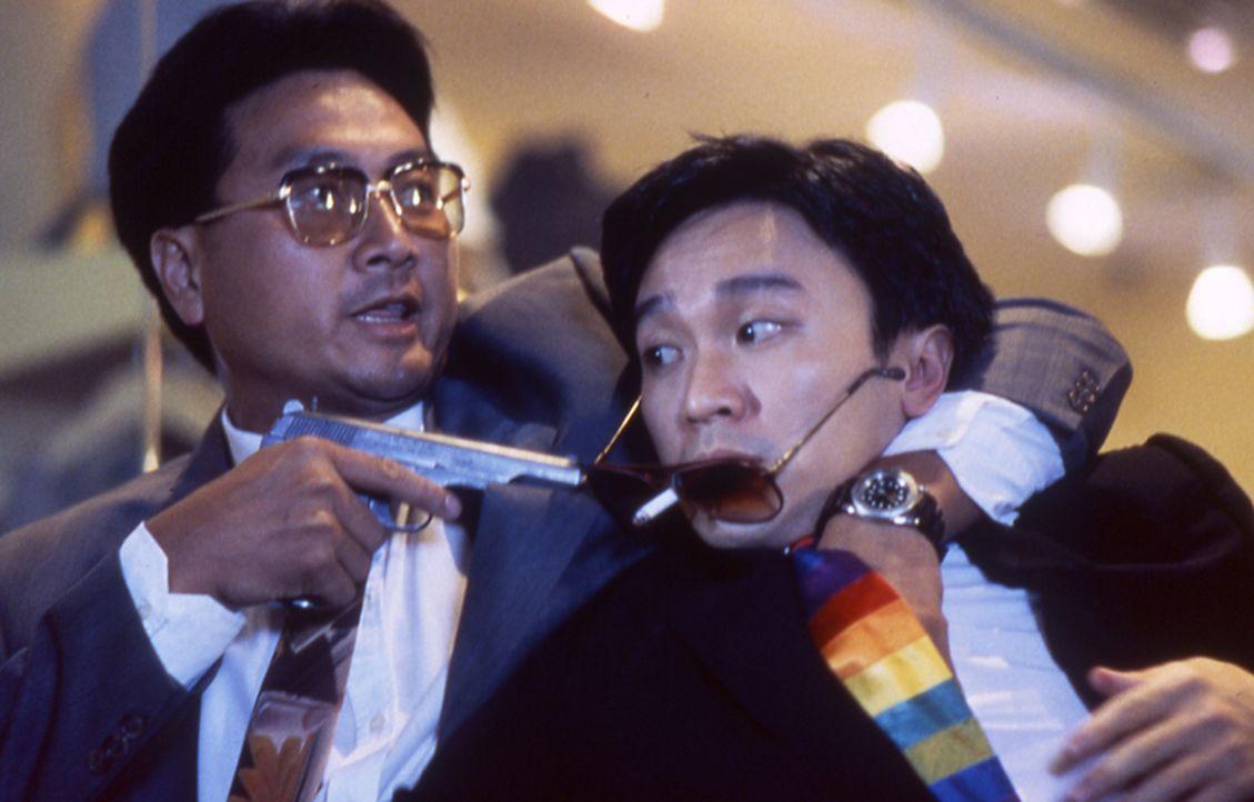 Gerät immer wieder in akute Lebensgefahr: Ling Ling Chai (Stephen Chow, r.) ... - Bildquelle: Splendid Film