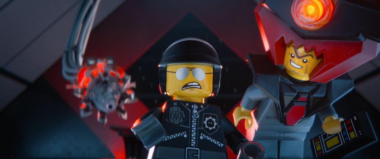 Wollen die Welt zusammenkleben: der bitterböse Lord Business (r.) und sein Handlanger Bad Cop (l.) ... - Bildquelle: 2014 Warner Brothers