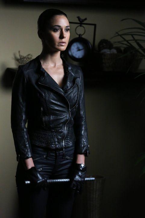 Lorelei (Emmanuelle Chriqui) kehrt zurück, fest entschlossen, herauszufinden, ob Red John etwas mit dem Tod ihrer Schwester zu tun hatte ... - Bildquelle: Warner Bros. Television