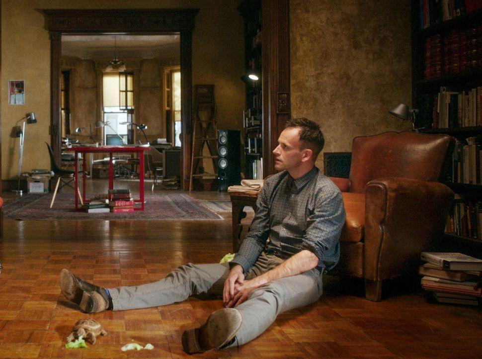 Eine hochmoderne Software, die über eine außerordentliche künstliche Intelligenz verfügt, wurde gestohlen, woraufhin sich Sherlock (Jonny Lee Miller... - Bildquelle: CBS Television