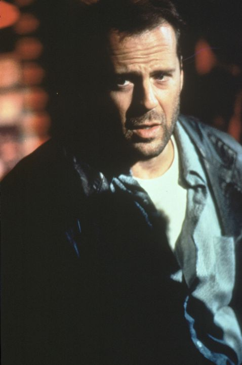 Der ehemalige CIA-Agent Joe (Bruce Willis) kommt ziemlich dreckigen Geschäften in der hehren Welt des Sports auf die Spur ... - Bildquelle: Warner Bros.