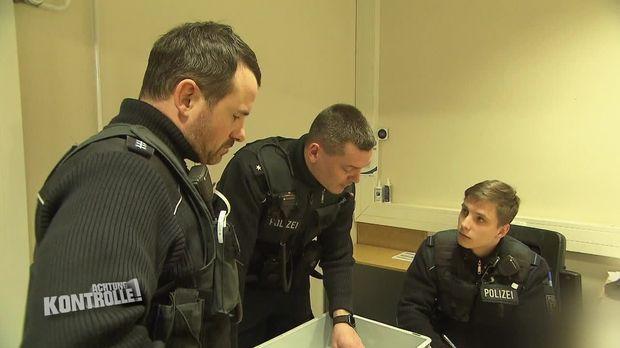 Achtung Kontrolle - Achtung Kontrolle! - Thema U.a: Bundespolizei Dresden Findet Crystal Meth