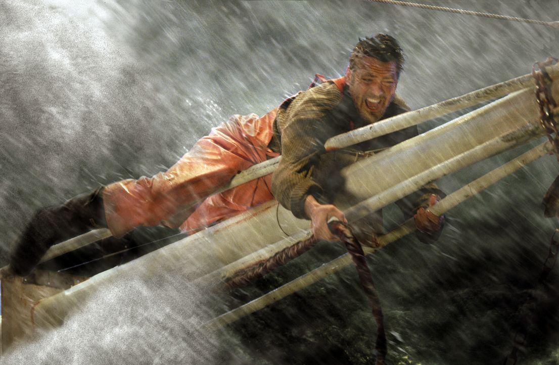 Als der Sturm immer stärker wird und nachdem seine Mannschaft alles gegeben hat, um den Sturm zu bezwingen, beschließt Billy (George Clooney), den F... - Bildquelle: Warner Bros. Pictures