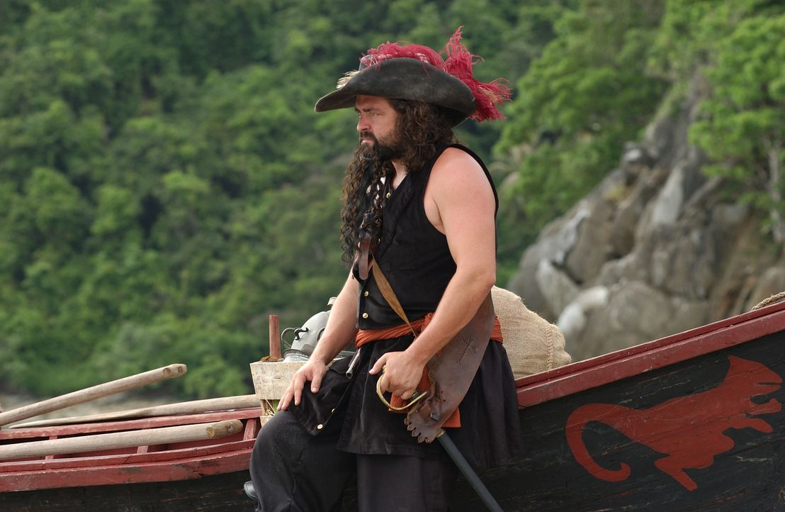 Wie viele andere Piraten beginnt Blackbeard (Angus MacFadyen) seine Karriere als Freibeuter. Diese waren von Queen Anne beauftragt, alle Schiffe von... - Bildquelle: Hallmark Entertainment