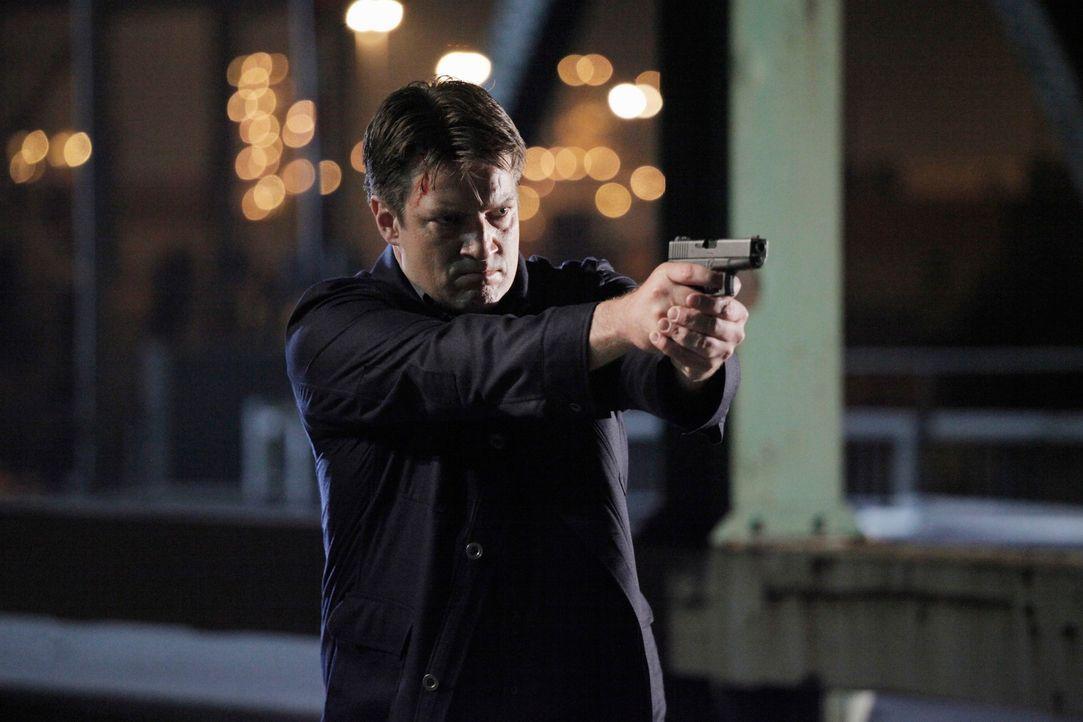 Richard Castle (Nathan Fillion) gerät unter Verdacht, eine junge Frau ermordet zu haben ... - Bildquelle: 2012 American Broadcasting Companies, Inc. All rights reserved.