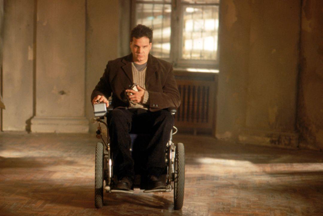 Trotz seiner Behinderung, verfolgt Professor Lowell (Craig Sheffer) konsequent seine Ziele; er will dem Geheimnis des ewigen Lebens auf die Schliche... - Bildquelle: Neo Art & Logic