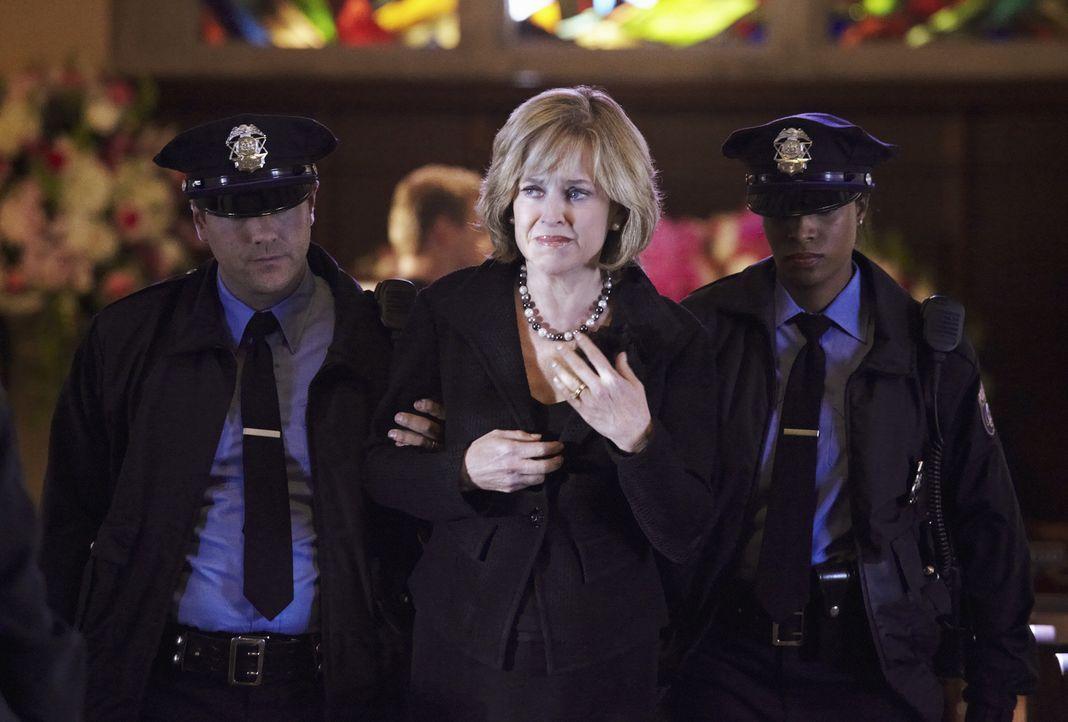 Hat sie etwas mit dem Tod ihrer Tochter zu tun? Lillian Parkson (Jill Eikenberry, M.) ... - Bildquelle: ABC Studios