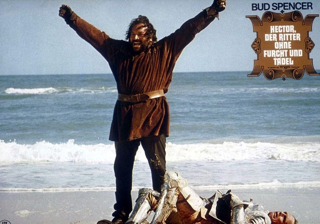Der tapfere Ritter Hector (Bud Spencer) versetzt seine Gegner in Angst und Schrecken ...