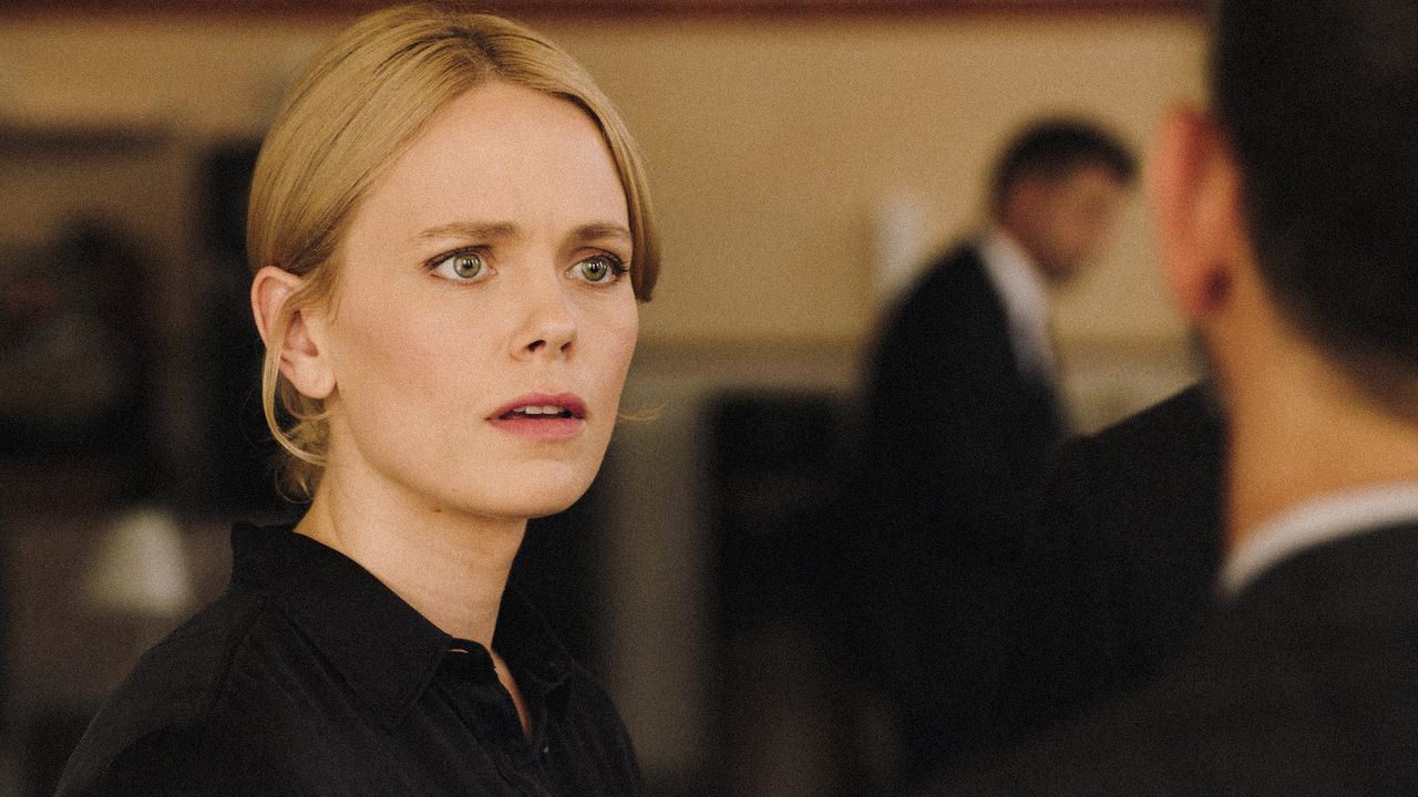Gwen Karlsson (Katia Winter) - Bildquelle: 2019 CBS Broadcasting Inc. All Rights Reserved.