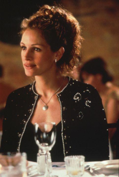 Obwohl Julianne (Julia Roberts) nur kurze Zeit mit Sportreporter Michael liiert war, erscheint er ihr rückblickend als Traummann fürs ganze Leben.... - Bildquelle: Columbia TriStar