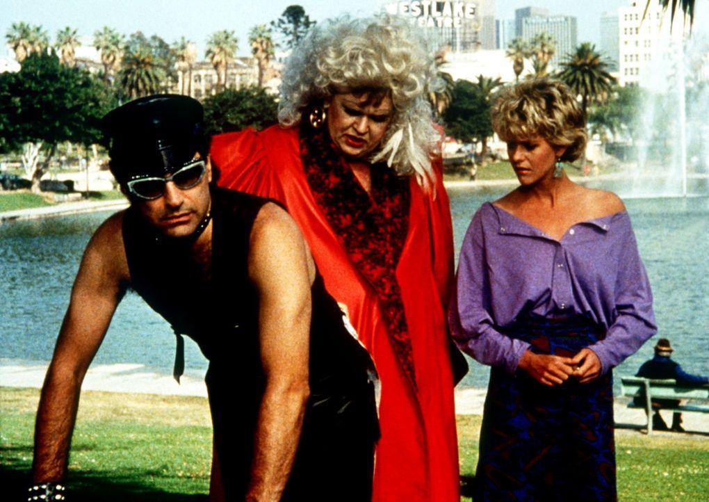 Bei ihren Ermittlungen erweisen sich Frank (John Candy, M.) und Norman (Eugene Levy, l.) als Meister der Tarnung - Maggie (Meg Ryan, r.) weiß aller... - Bildquelle: Columbia Pictures