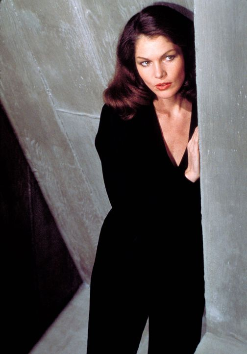 Lois-Chiles-James-Bond-Moonraker-1979-WENN-com - Bildquelle: Supplied by WENN.com