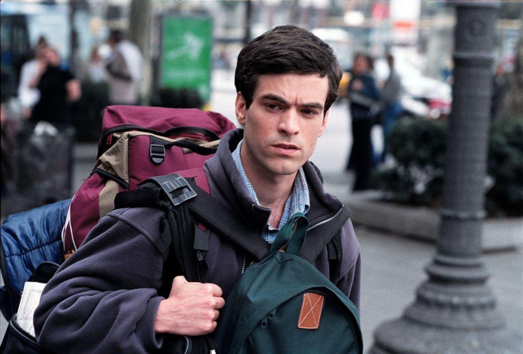 Der französische Wirtschaftsstudent Xavier (Romain Duris) hat einen lukrativen Job in Aussicht. Das Problem: Er soll sich intensiv mit der spanisch... - Bildquelle: Tobis Film GmbH & Co. KG