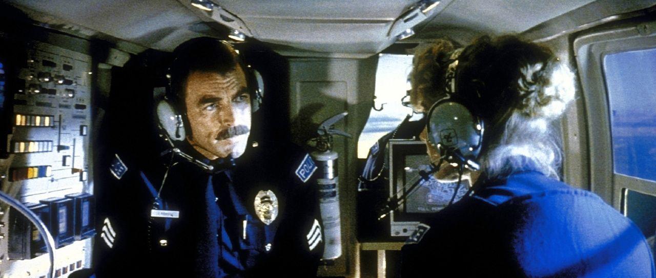 Sergeant Jack Ramsay (Tom Selleck, l.) und seine hübsche Partnerin Karen Thompson (Cynthia Rhodes, r.), Polizisten einer Spezialeinheit, kommen dem... - Bildquelle: TriStar Pictures