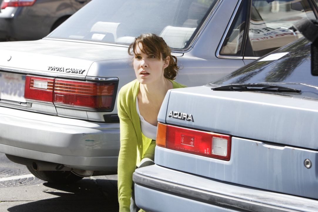 Ist sie dem gesuchten Täter auf der Spur? Special Agent Kensi Blye (Daniela Ruah) ... - Bildquelle: CBS Television