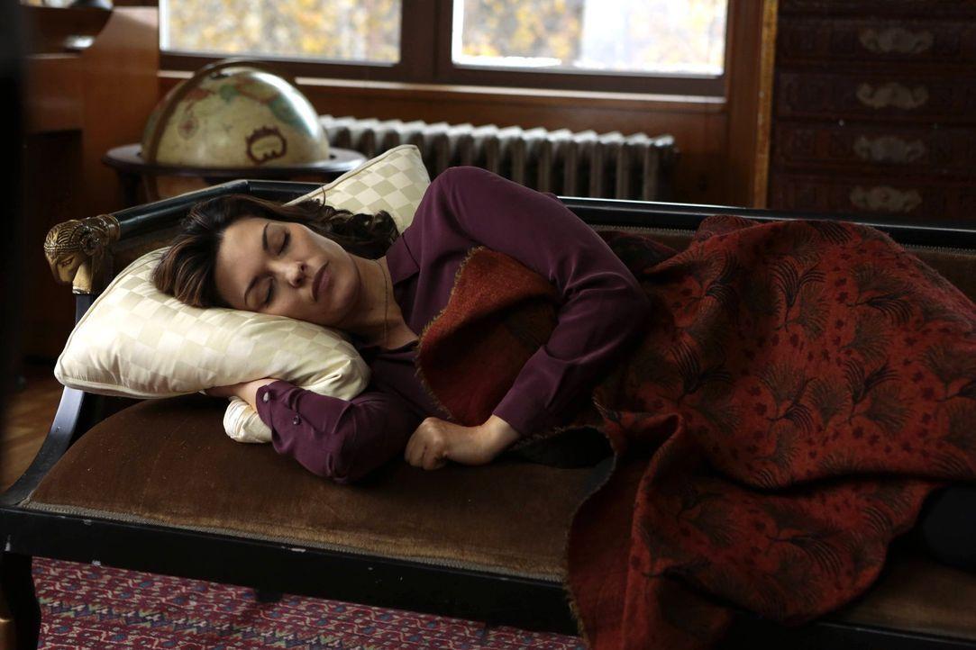 Muss in einem Fall ermitteln, der sie schmerzhaft an ihren verstorbenen Mann erinnert: Jo (Alana De La Garza) ... - Bildquelle: Warner Brothers