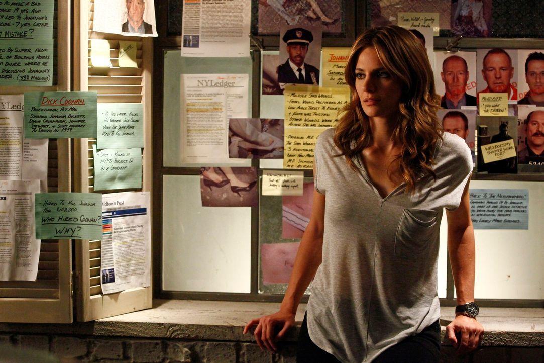Kate Beckett (Stana Katic) kann noch immer nicht fassen, dass sie tatsächlich den Mörder ihrer Mutter gefunden hat. Bekommt sie endlich die Chance,... - Bildquelle: 2012 American Broadcasting Companies, Inc. All rights reserved.