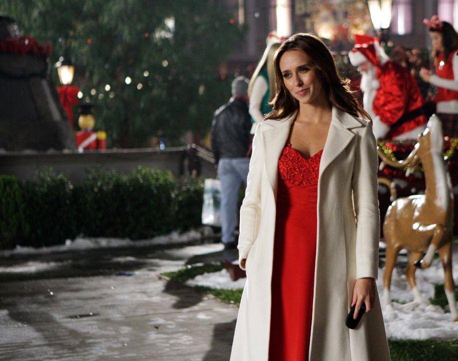 Ein Geist der glaubt, Santa Claus zu sein, hält Melinda (Jennifer Love Hewitt) auf Trab ... - Bildquelle: ABC Studios
