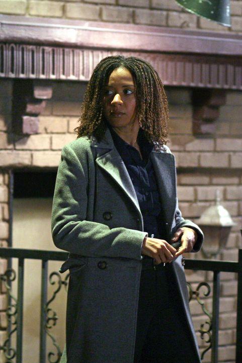 Mit ihren Kollegen, rollt Kat Miller (Tracie Thoms) einen Fall aus dem Jahre 2007 wieder auf ... - Bildquelle: Warner Bros. Television