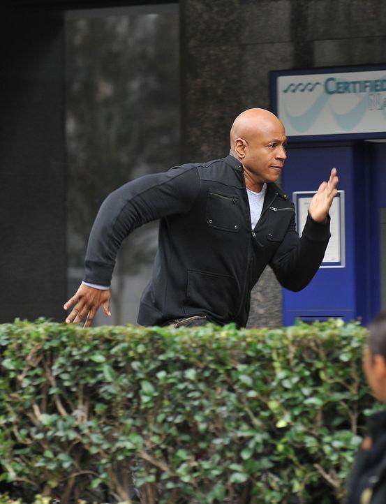 Ein Wettlauf mit der Zeit beginnt: Special Agent Sam Hanna (LL Cool J) ... - Bildquelle: CBS Studios Inc. All Rights Reserved.