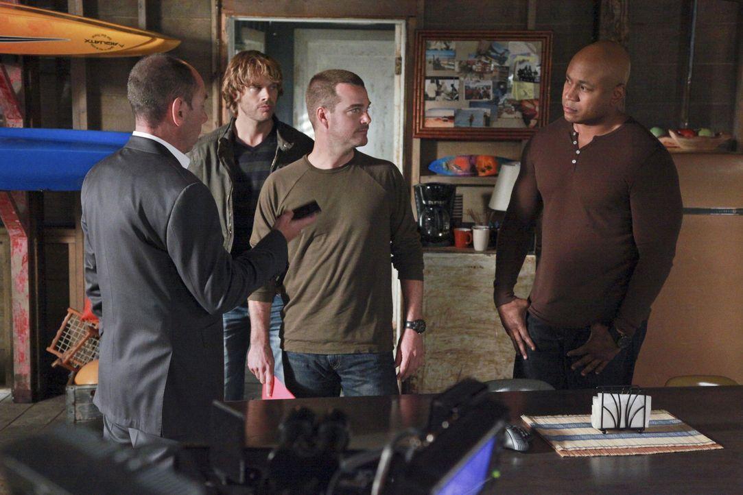 Owen Granger (Miguel Ferrer, l.) hat den Verdacht, dass Kensi in einem Mordfall, der mit der Scharfschützeneinheit ihres verstorbenen Vaters zusamme... - Bildquelle: CBS Studios Inc. All Rights Reserved.