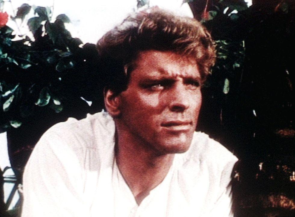 Kapitän O'Keefe (Burt Lancaster) wird von den dankbaren Eingeborenen zum weißen Herrscher über Tonga ernannt. - Bildquelle: Warner Bros.
