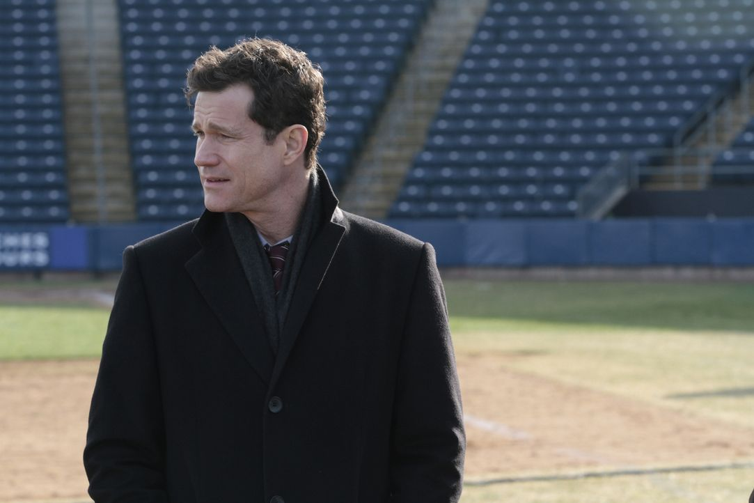 Ermittelt in einem neuen Fall: Al (Dylan Walsh) ... - Bildquelle: 2011 CBS Broadcasting Inc. All Rights Reserved.