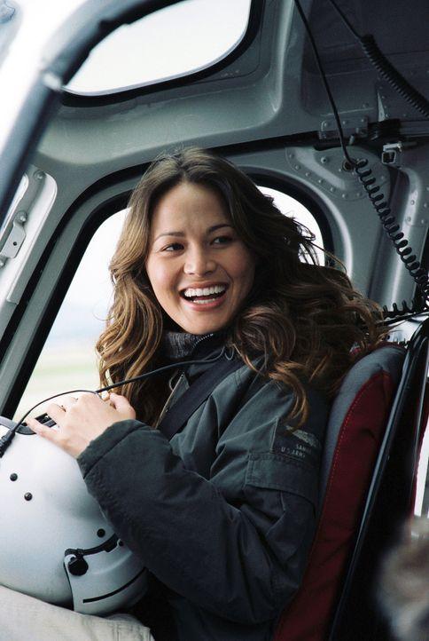 Wagt eine gefährliche Rettungsaktion in einem starken Wintersturm: Pilotin Katie (Moon Bloodgood) ... - Bildquelle: Chris Large Walt Disney Pictures. All rights reserved.