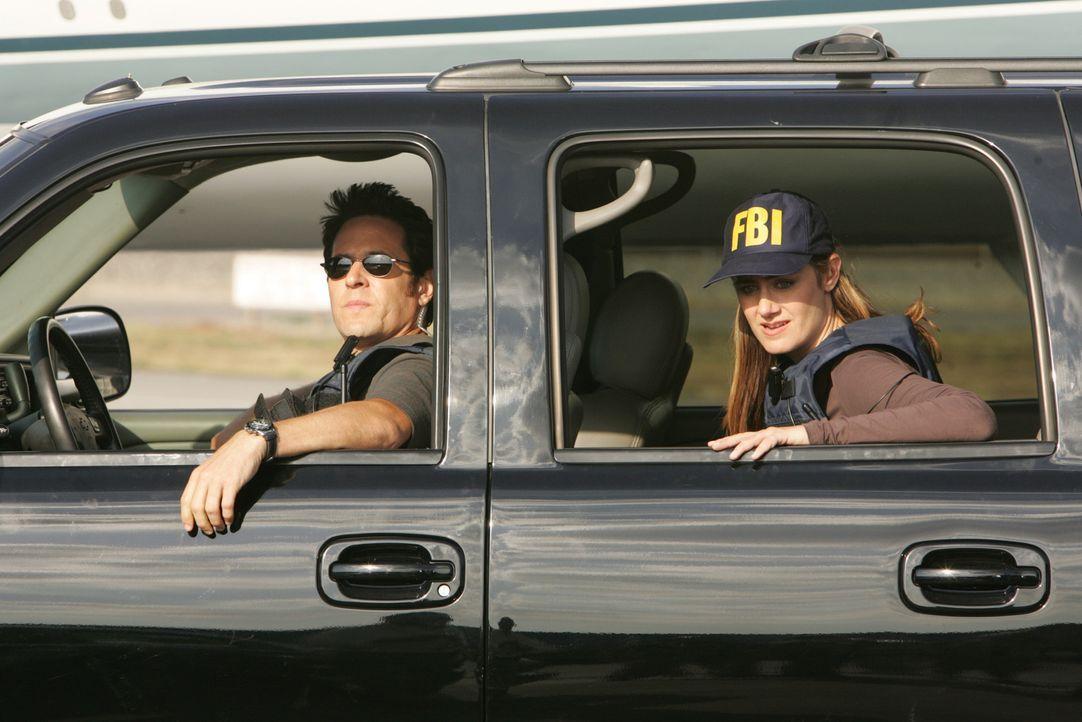 Nachdem Lucinda Shay, die Finanzchefin von Syntel Corporation, in ihrem Haus erschossen wurde, machen sich Megan (Diane Farr, r.) und Don (Rob Morro... - Bildquelle: Paramount Network Television