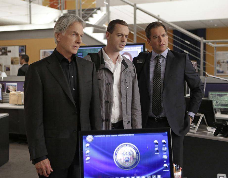 Ein neuer Fall wartet auf Gibbs (Mark Harmon, l.), McGee (Sean Murray, M.) und Tony (Michael Weatherly, r.) ... - Bildquelle: Sonja Flemming CBS Television / Sonja Flemming