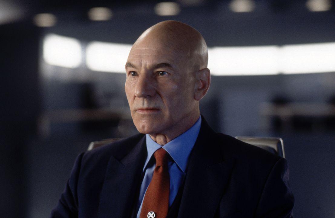 Er glaubt daran, dass die Mutanten lernen können, ihre Kräfte für das Gute einzusetzen: Professor X (Patrick Stewart) - Bildquelle: 2000 Twentieth Century Fox Film Corporation. All rights reserved.